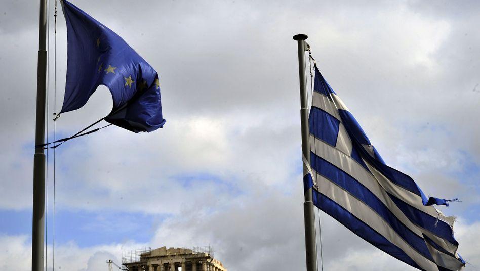 Flaggen Griechenlands und der EU in Athen: 400 bis 700 Euro pro Bundesbürger