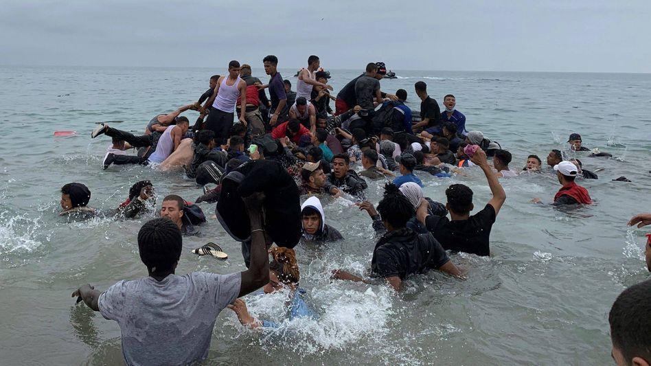 Geflüchtete vor der Küste von Ceuta