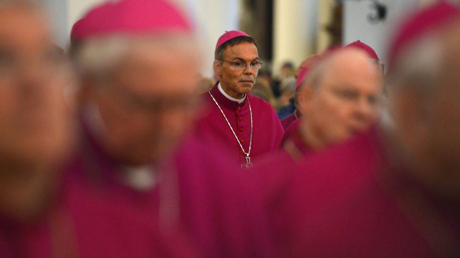 Bischof Tebartz-van Elst: Welcher Ortsbischof legt Rechenschaft ab?