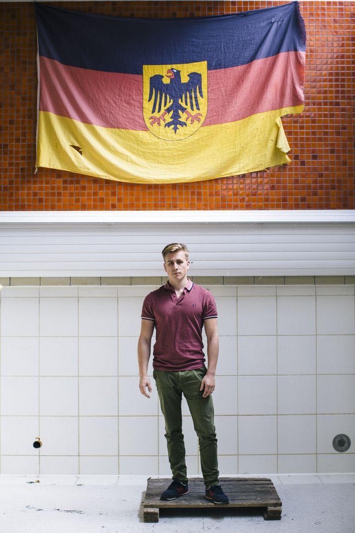 Student Arndt Novak im Paukraum seiner Burschenschaft
