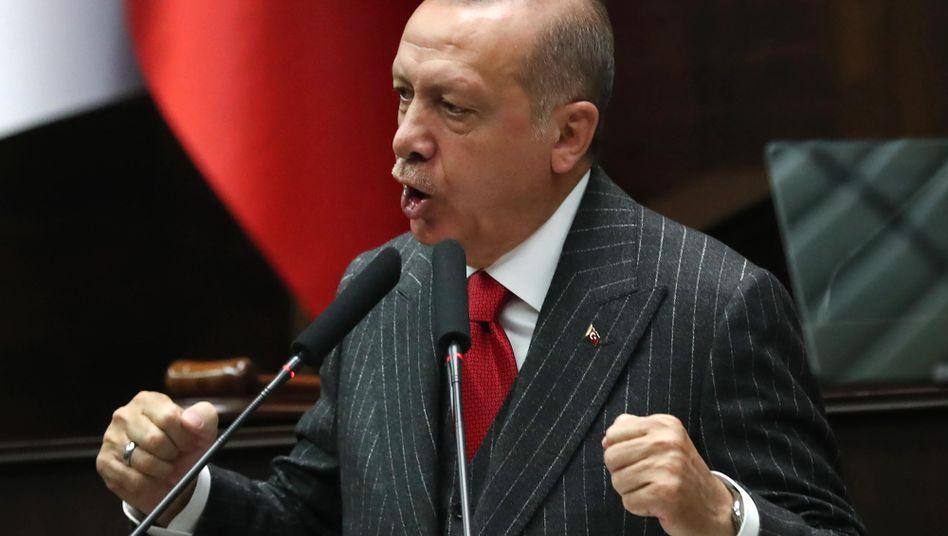 """Recep Tayyip Erdogan: """"So Gott will, werden sich unsere Leute diesen Drohungen nicht beugen"""""""