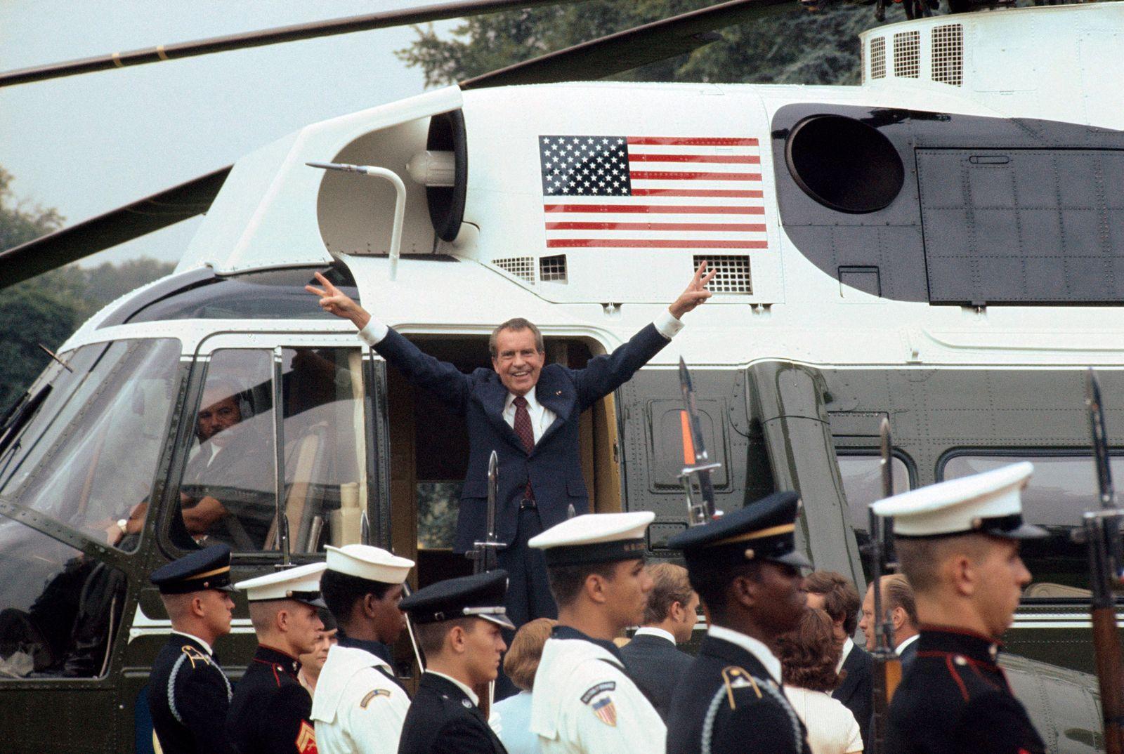 """Richard Nixon Giving """"V"""" Sign After Resignation"""