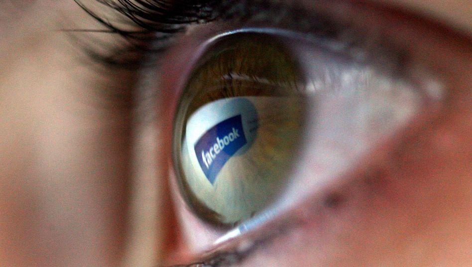 Facebook-Nutzerin: Wer sind die Mächtigen im Internet von morgen?