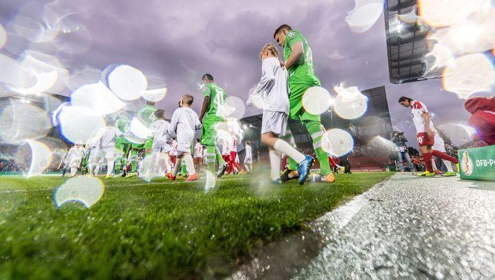 DFB-Pokal: Der Tag der späten Treffer