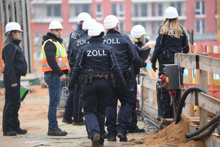 FKS-Mitarbeiter auf einer Baustelle in Frankfurt
