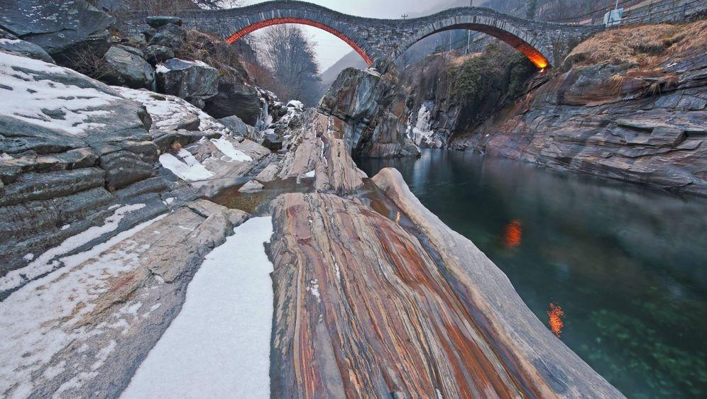 Valle Verzasca: Einsame Winterwanderung durchs Tal