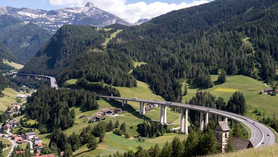 Strassensperrung Tirol