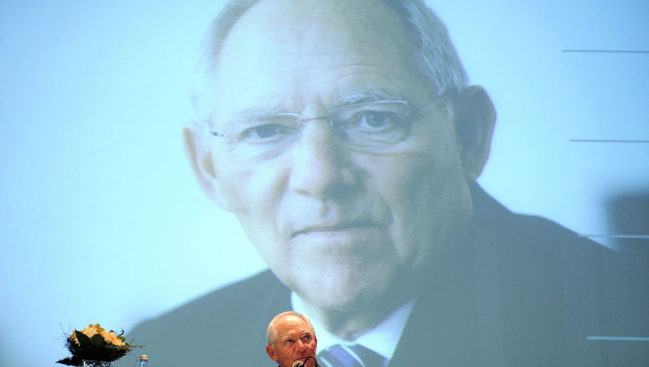 German Finance Minister Wolfgang Schäuble is in favor of leveraging the ESM. Here, during his 70th birthday celebrations last week.