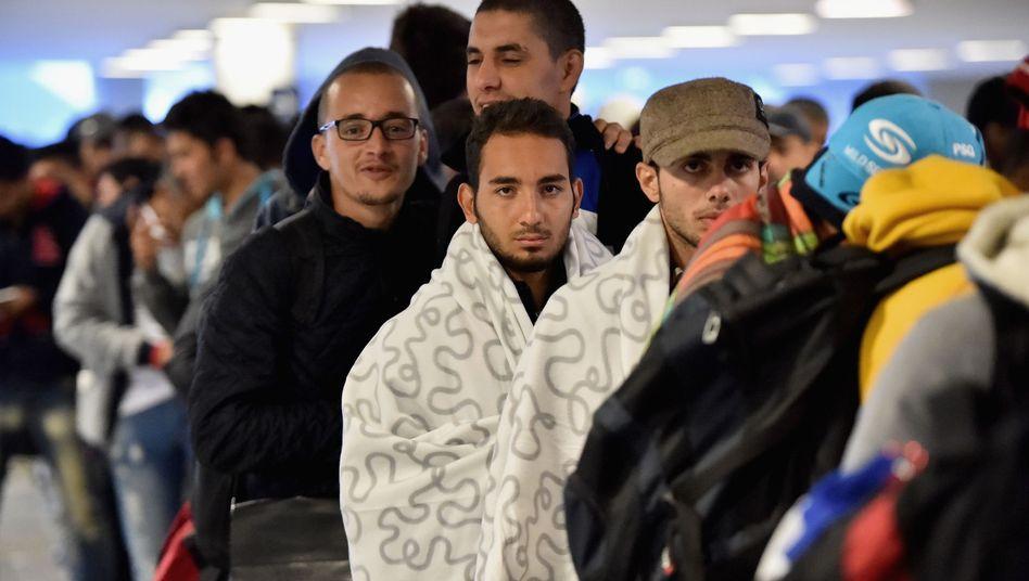 Flüchtlinge in Ungarn: Die EU verhandelt über die Verteilung