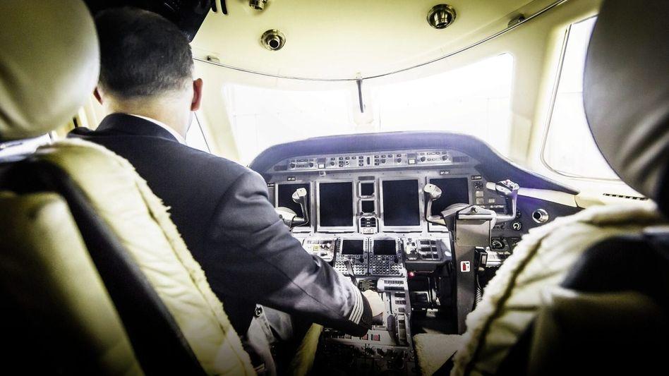 Opfer Lückert(*) im Cockpit »No, no baggage«