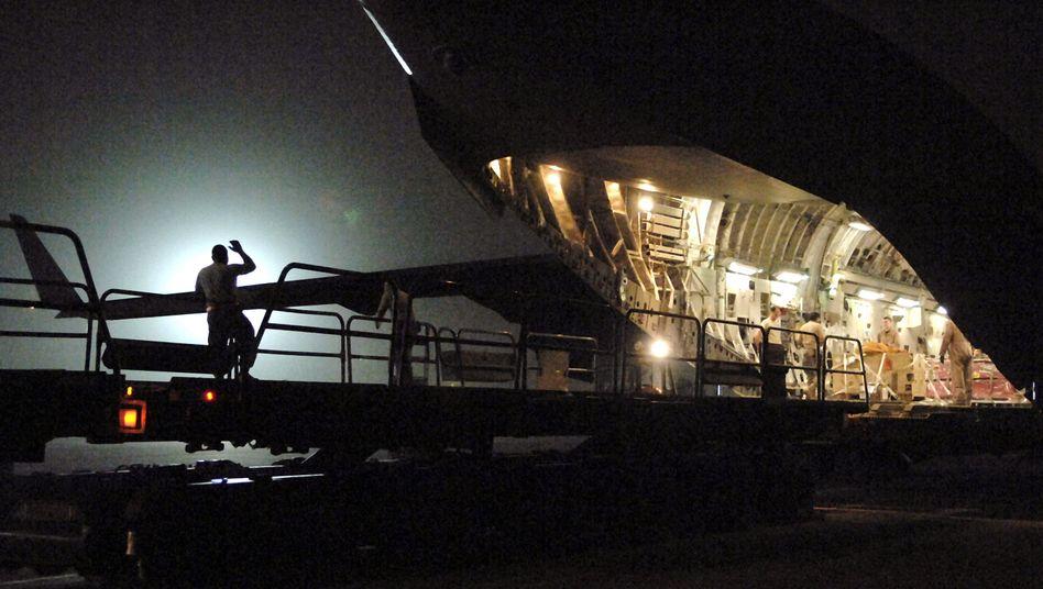 C-17-Frachtflugzeug (im Juni 2008 in Bagdad): In solch eine Maschine soll der transportable Reaktor passen