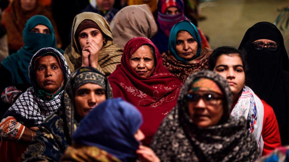 Sitzblockade von Frauen in dem Viertel Shaheen Bagh in Indiens Hauptstadt Neu-Delhi
