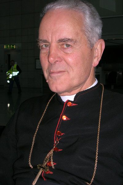 "Holocaust-Leugner Williamson (in Frankfurt am Main 2007): ""Vatikan hat seine Seele an den Liberalismus verkauft"""