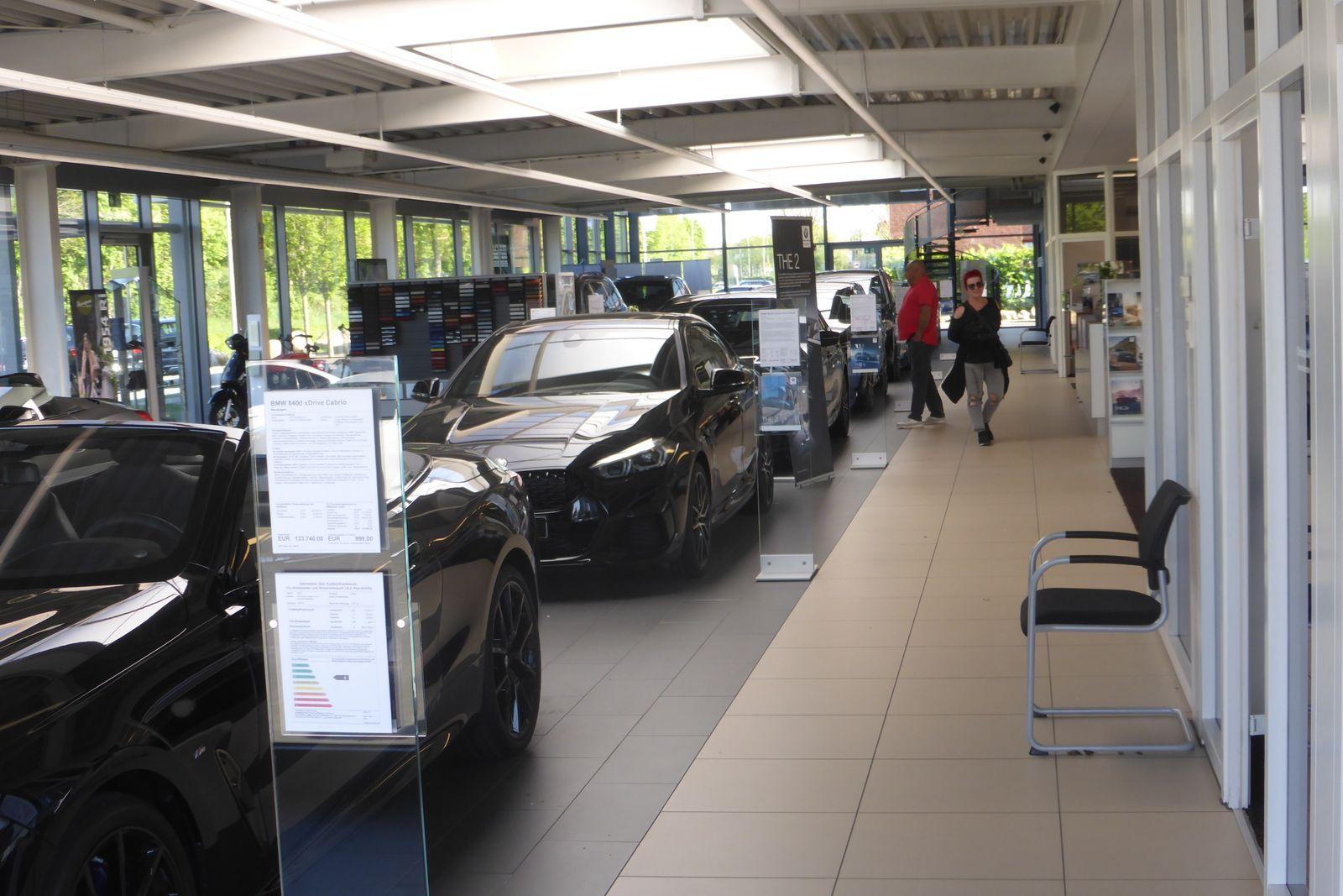 Wirtschaft/ Fotos Autohaus