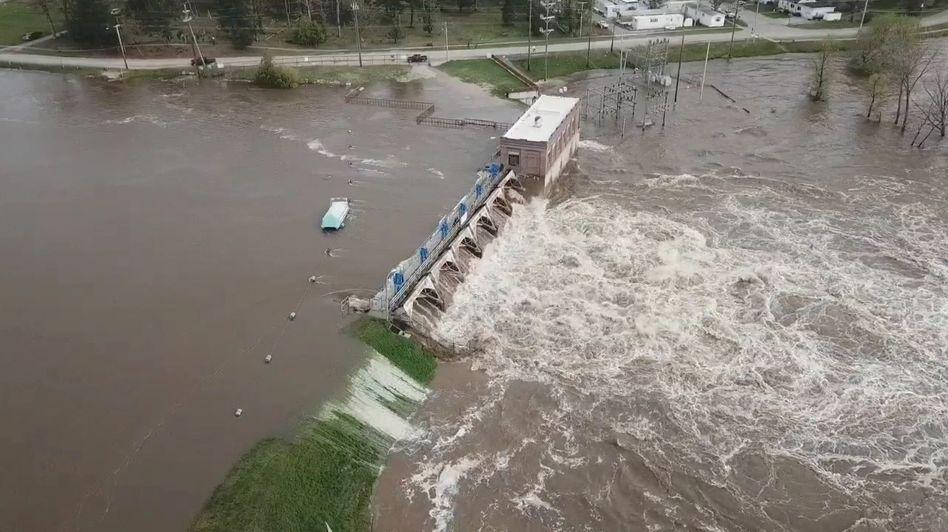 Sanford-Damm in Michigan: Wassermassen brechen durch