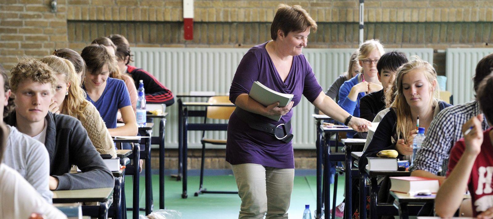 Holland / Schule / Schüler / Prüfung