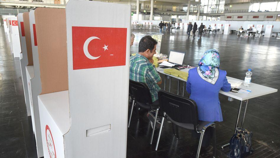 Wahllokal zur türkischen Präsidentschaftswahl in Hannover (Archivaufnahme)