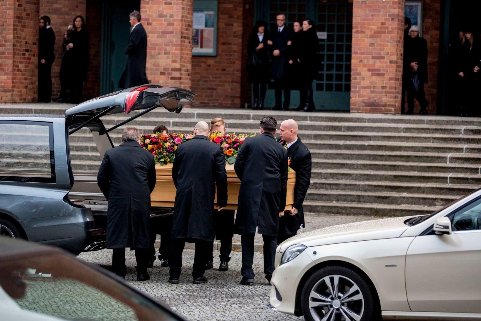 Trauerfeier für Arzt von Weizsäcker