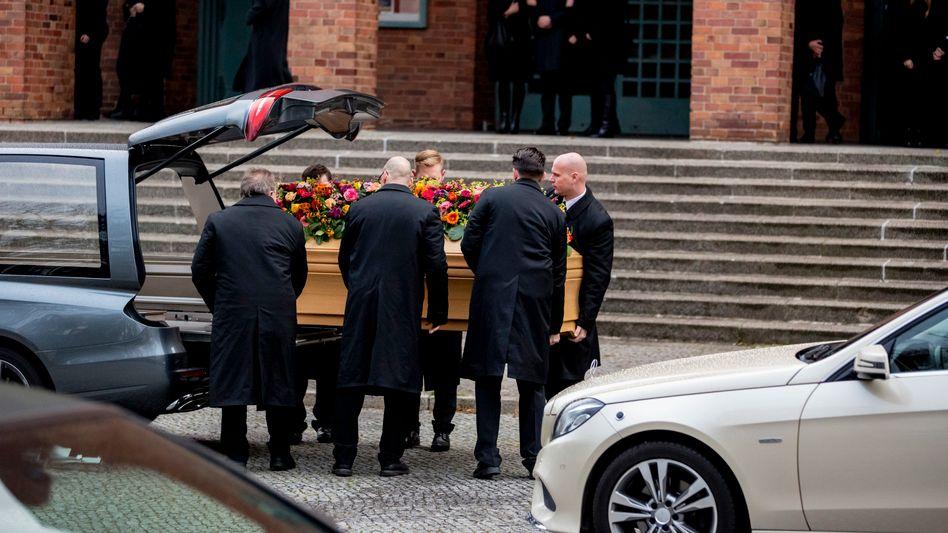 Unvermittelt bei einem Vortrag getötet: Trauer um Fritz von Weizsäcker