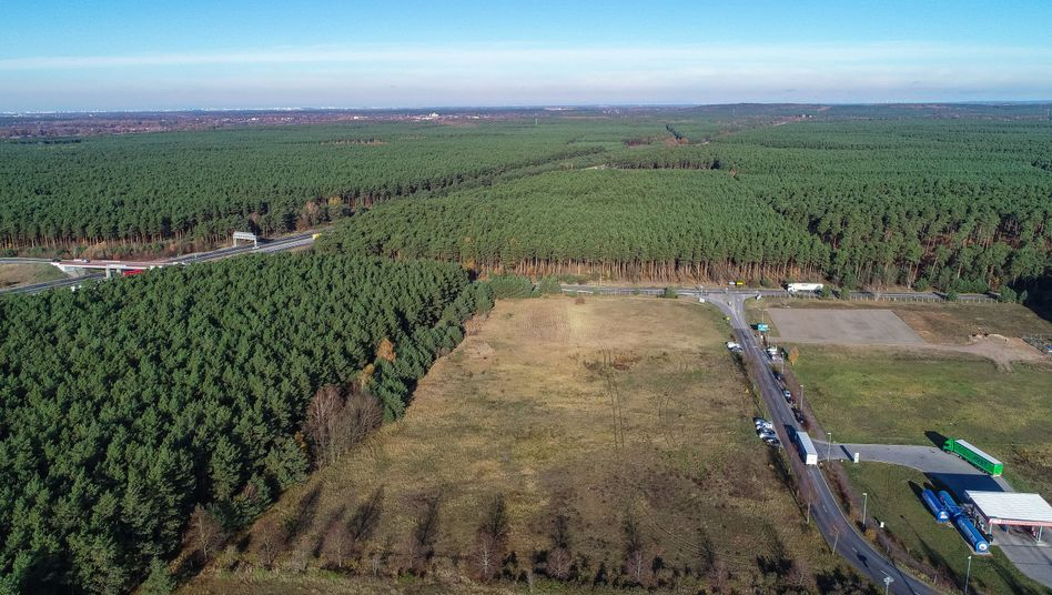 Gewerbegebiet in der Gemeinde Grünheide (Archiv): Der Kaufvertrag für das Grundstück ist nun notariell beglaubigt
