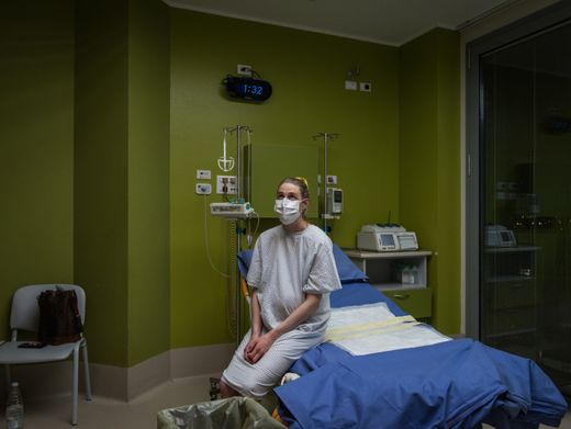 Allein im Kreißsaal: Das Coronavirus beeinflusst auch Geburten