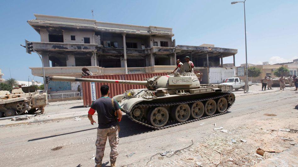 Libysche Kämpfer in Sirte