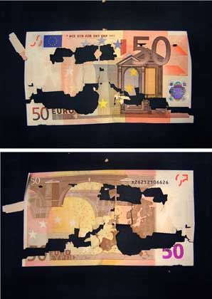 Now you see it, now you don't: What is causing €50 notes to disintegrate?