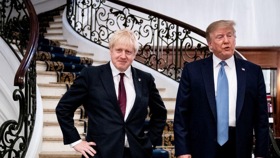 """Johnson und Trump im August 2019 in Frankreich: """"Die Amerikaner beten alle für seine Genesung"""", sagte der US-Präsident"""