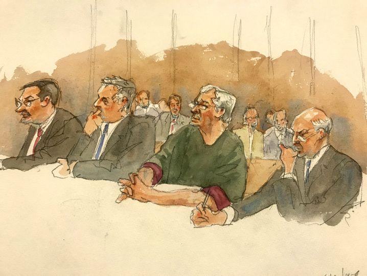 Teure Verteidigung: Epstein mit seinen Anwälten vor Gericht