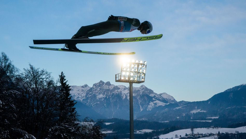 Hoch in der Luft: Kamil Stoch auf dem Weg zum Gesamtsieg