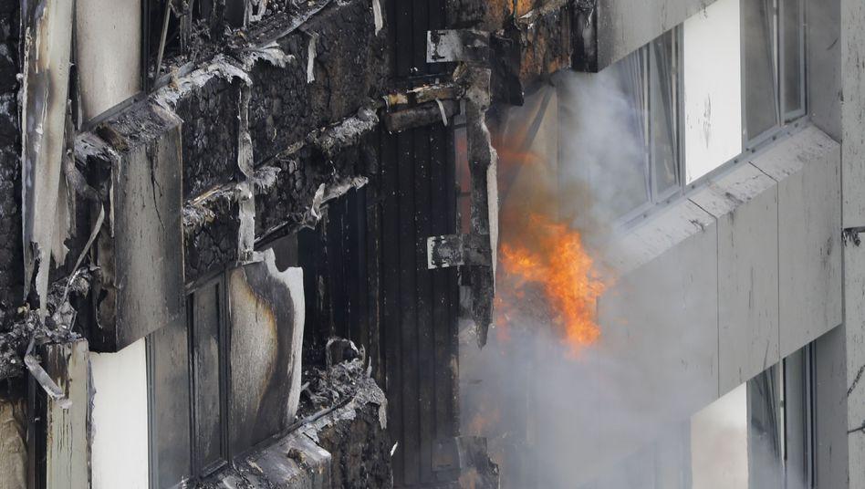 Brand im Grenfell Tower im Londoner Stadtteil Kensington