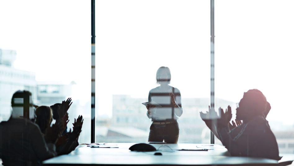 Reicht eine Quote, um die männliche Dominanz in vielen Unternehmensvorständen zu brechen?
