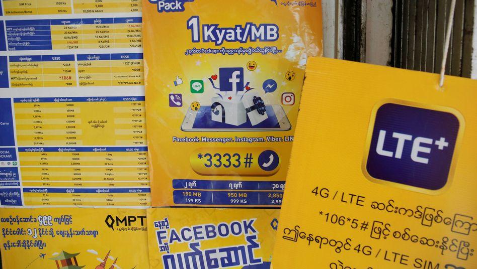 Werbung für Mobilfunktarife mit Facebook-Optionen in Myanmar