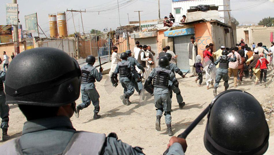 Polizeieinsatz bei Demo gegen Mohammed-Film in Kabul: Wem nützt solche Gewalt?