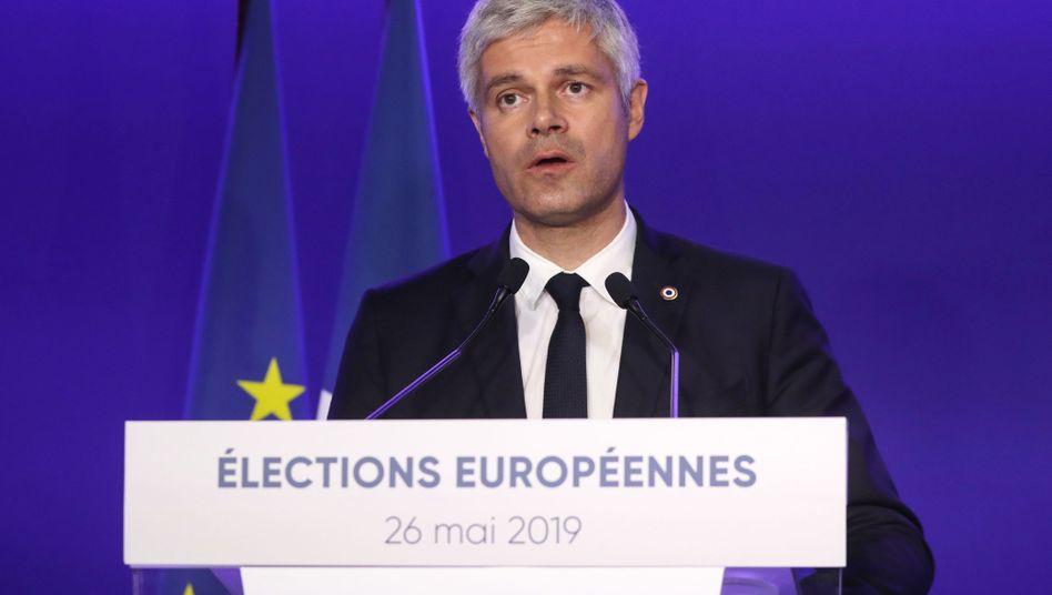 Laurent Wauquiez am Tag der Europawahl in Paris