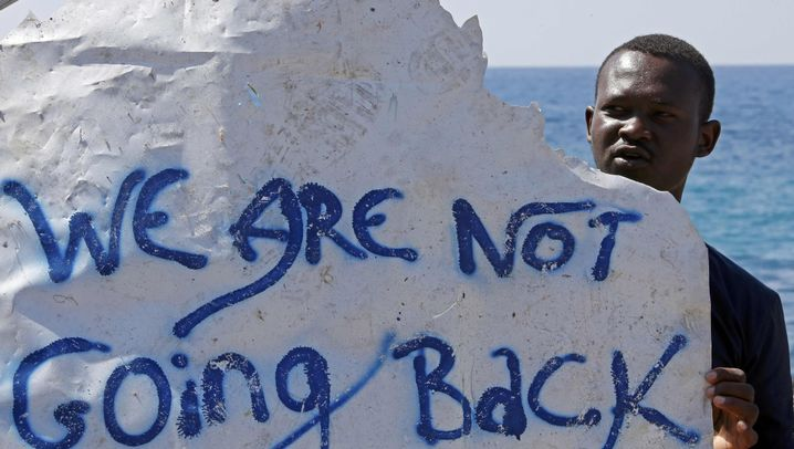 Flüchtlinge in Italien: Übernachtung auf dem Bahnhof