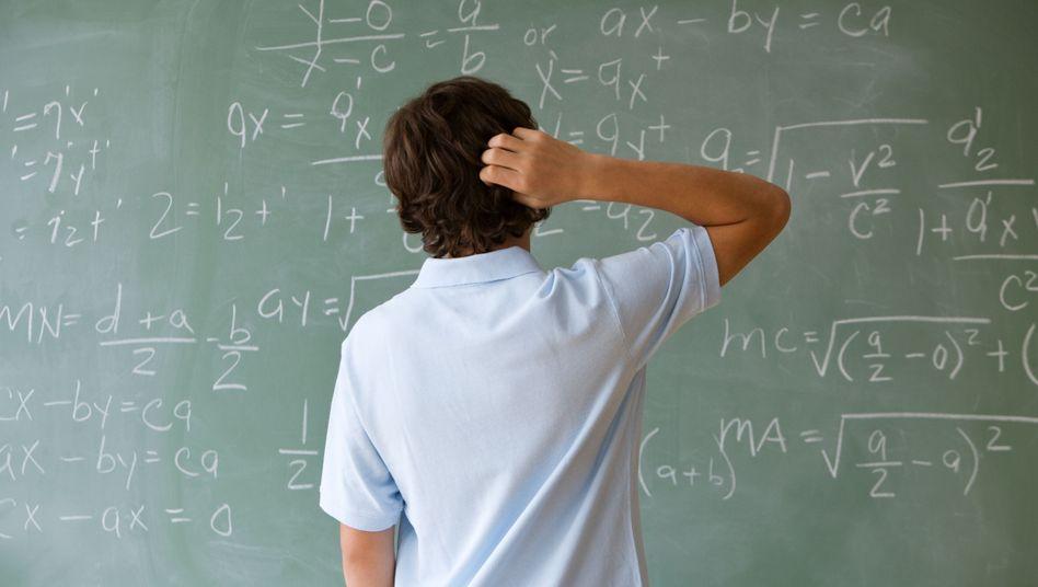 Bundesweit sind Schüler und Schülerinnen an den Abituraufgaben im Fach Mathematik verzweifelt