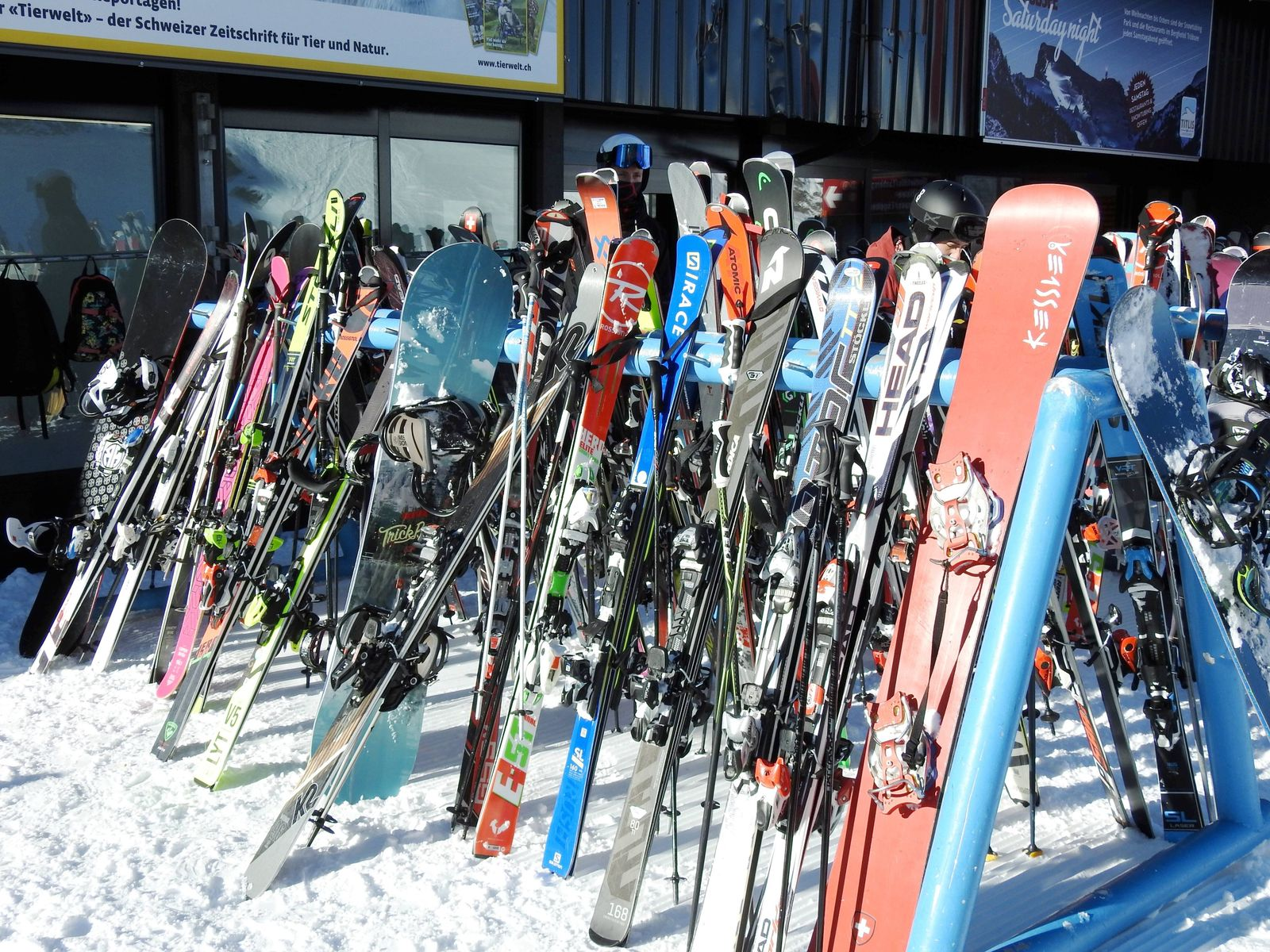 Foto Manuel Geisser 10.12.2020 Wintertourismus Schweiz Tourismus. Corona Covit-19 Corona-Krise.Bild : Titlis , Viele Ski