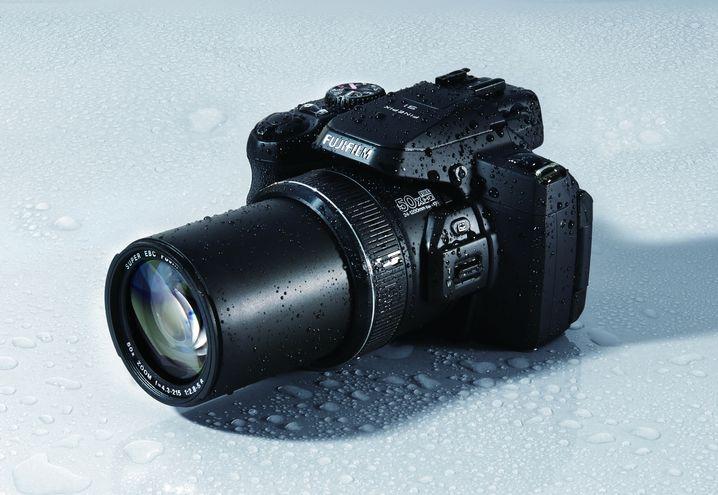 Finepix S1: 50-facher Zoom und kleiner Bildsensor