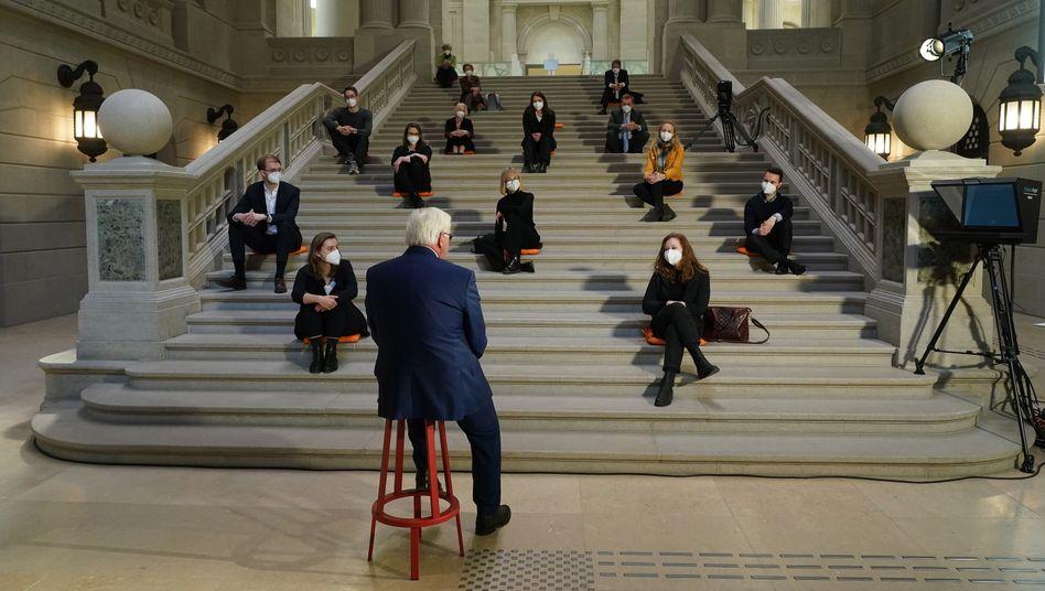 Bundespräsident Frank-Walter Steinmeier während seiner Rede vor Studierenden in der Berliner Staatsbibliothek