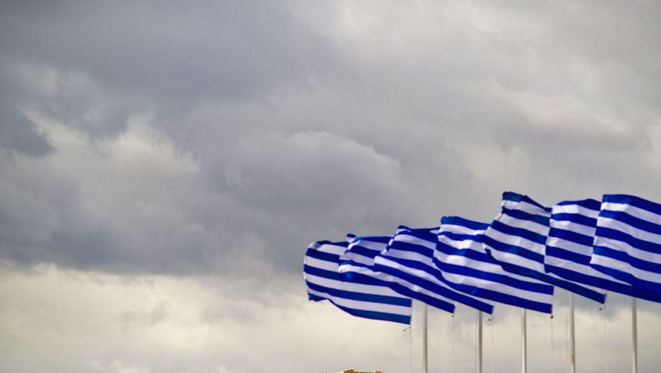 """Fahnen vor der Akropolis: """"Griechenland ist ein riesengroßes Problem"""""""