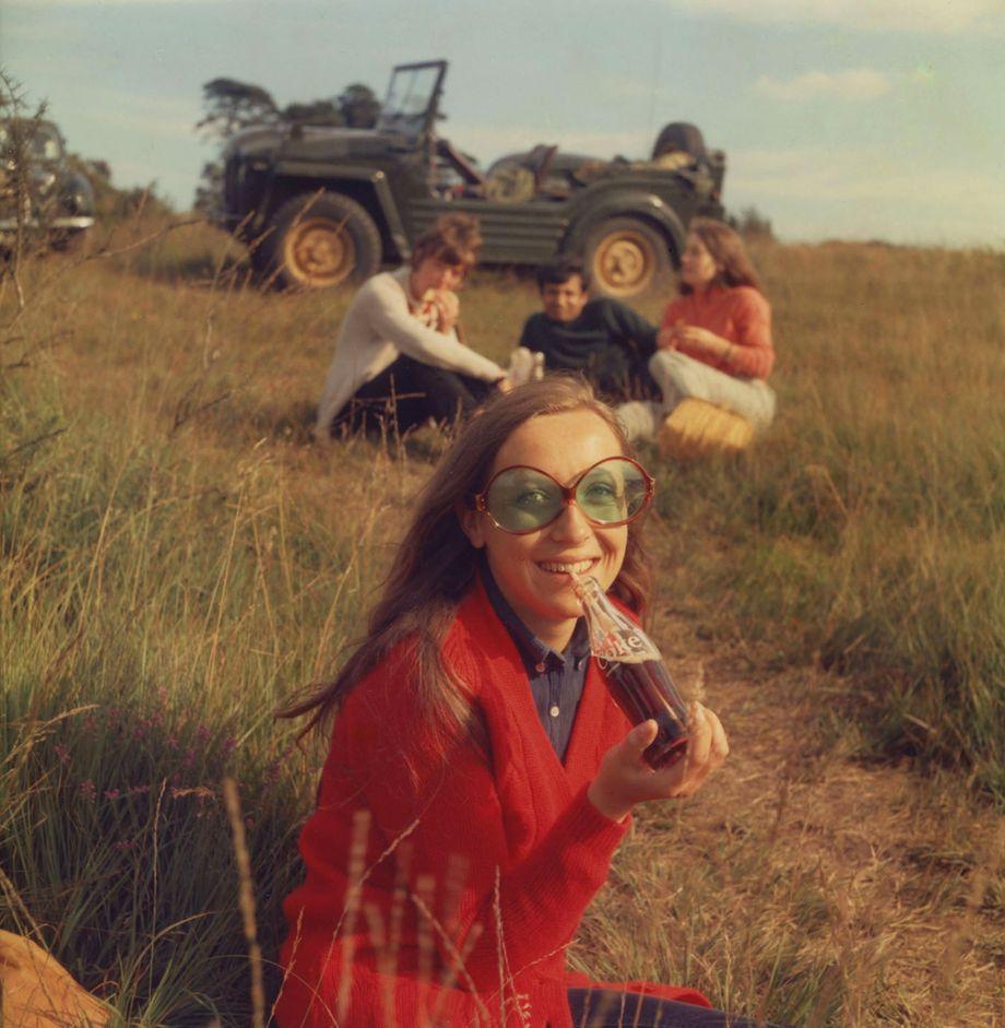 """Freunde von Barnor, die er 1968 in Kent aufgenommen hat. Das Foto war 2019 das Titelbild von """"L'OBS"""", dem Magazin der renommierten Fotografie-Messe """"Paris Photo"""""""