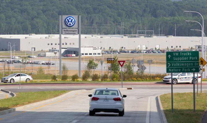 Volkswagen-Werk in den USA (Archivbild): Noch länger Pause - Gehälter werden aber weiter bezahlt