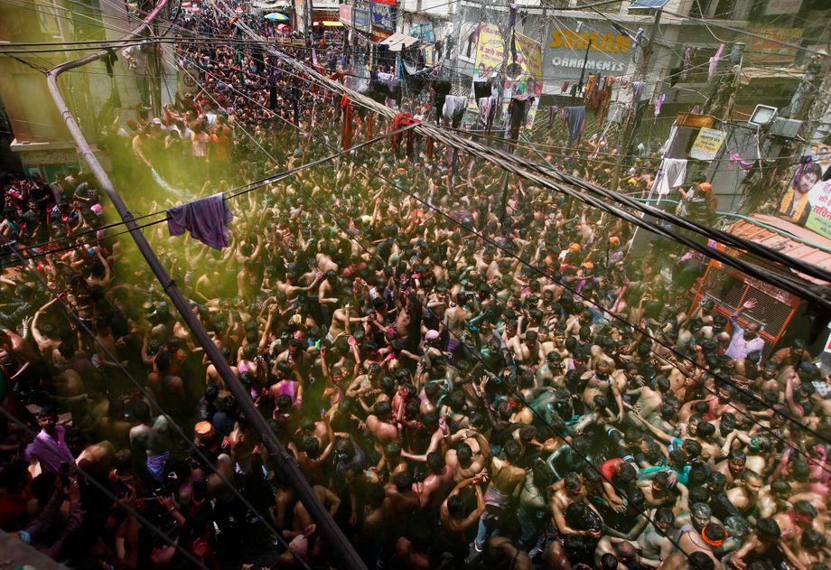 Holi-Fest in Prayagraj Ende März 2021: Als gäbe es keine Pandemie