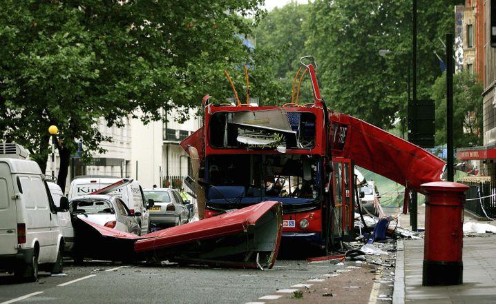 """Zerstörter Bus am Tavistock Square: """"Einen unglaublichen Knall"""""""