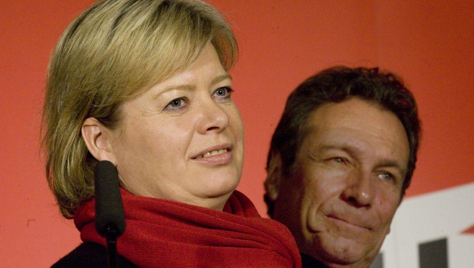 Vorsitzende der Linken, Gesine Lötzsch, Klaus Ernst: Kritik von der Basis