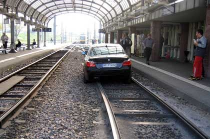 Vorsicht bei der Einfahrt: Dieses Schienenfahrzeug stand nicht auf dem Fahrplan