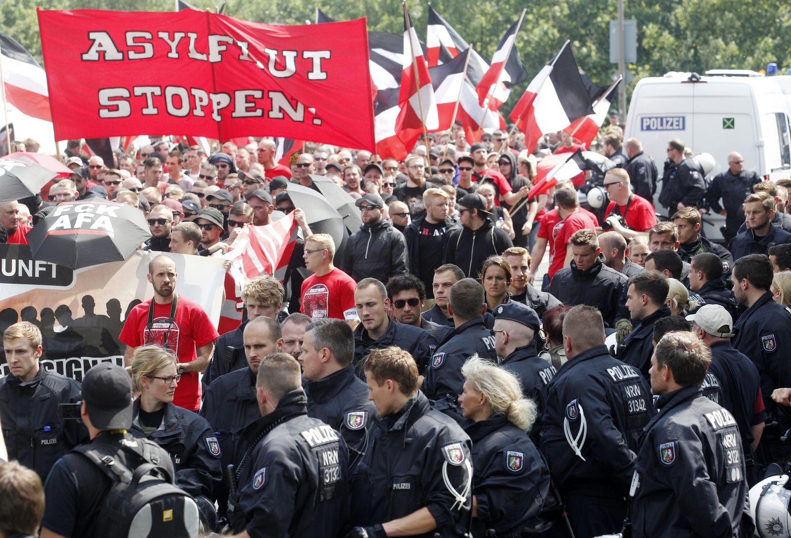 Aufmarsch von Rechtsextremisten in Dortmund