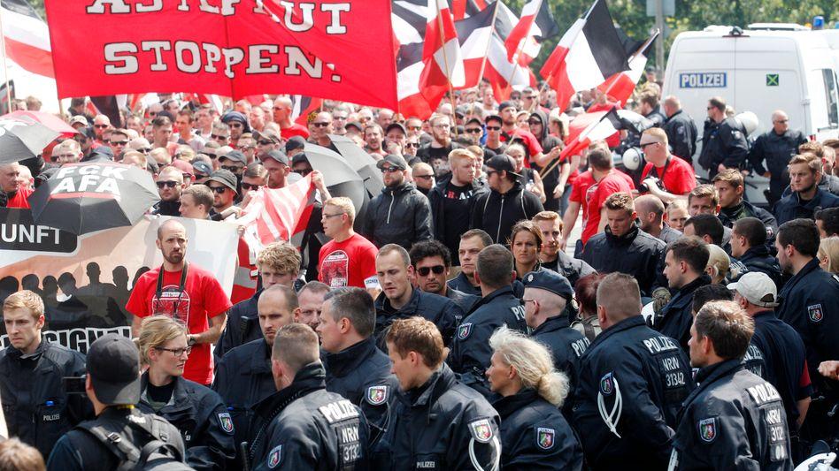 Polizei und Rechtsextreme in Dortmund
