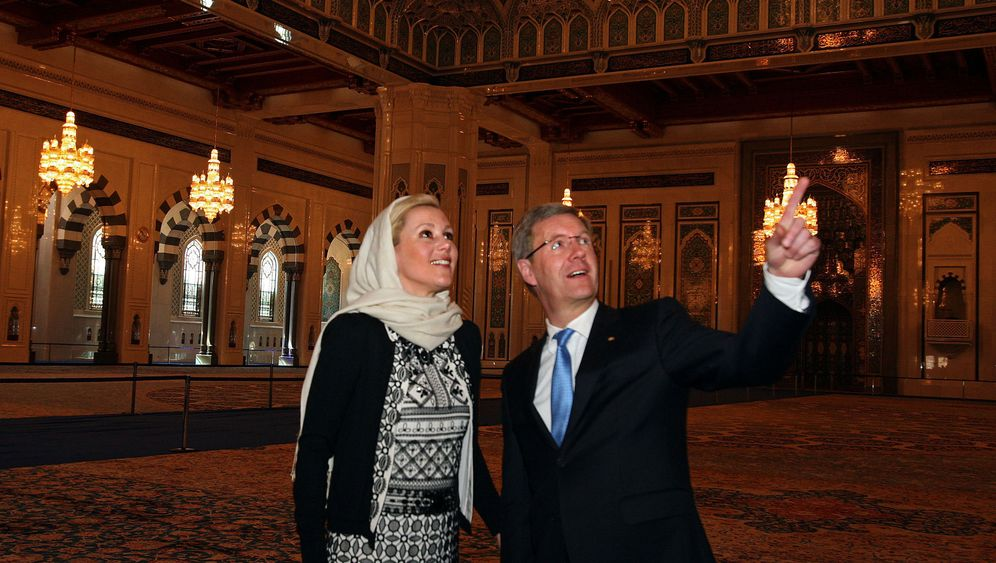 Photo Gallery: Wulff's Arab Trip Overshadowed by Controversy